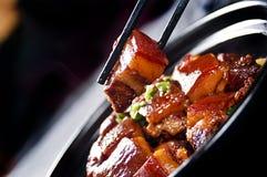 Ventre de porc braisé par Chinois, porc de dongpo photos libres de droits