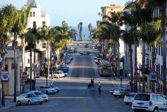 VENTURA FÖRENTA STATERNA - JUNI 26, 2012: I stadens centrum sikt av Ventura royaltyfri bild