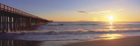 Ventura pir på solnedgången, Royaltyfria Foton