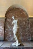 Venus de Milo staty i Louvremuseum Arkivfoto