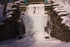Venus Grotto congelado en el arboreto Sofiyivka foto de archivo