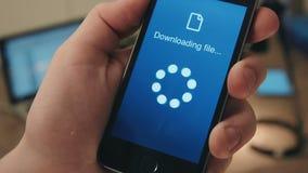 Venuto a mancare scaricando gli archivi su uno smartphone archivi video