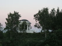 verão branco do crepúsculo do parque do rotonda Imagem de Stock