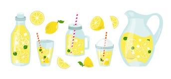 verão da limonada e dos limões ajustado com frutos Fotografia de Stock
