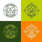 verão que acampa, elementos do projeto do logotipo do esboço Imagem de Stock
