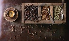 Veränderung von Kaffeebohnen lizenzfreie stockbilder