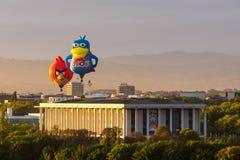 Verärgerte Vögel und Dodo Hot Air Balloons in Canberra lizenzfreie stockfotos