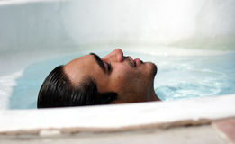Verões no poolside Imagem de Stock Royalty Free