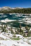 Ver Meer in Siërra Nevada Mountains, Californië royalty-vrije stock afbeeldingen
