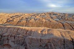 Ver, Onvruchtbaar vulkanisch landschap van Valle DE La Luna, in de Atacama-Woestijn, Chili Stock Foto's
