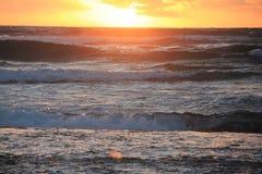 över Stillahavs- soluppgång Arkivbilder