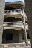 Veranden des altmodischen Gebäudes Lizenzfreies Stockbild
