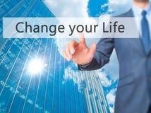 Verander uw Leven - Zakenmanhand het drukken knoop op aanrakingsscr Stock Afbeeldingen