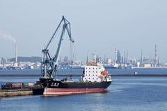 Verankerd schip in Haven van Dalian Stock Foto's