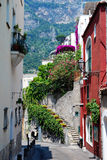 Verano del scalinatella de Positano, Nápoles, Italia Foto de archivo