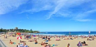 Verano en la playa de Coogee, Sydney, Australia Imagenes de archivo