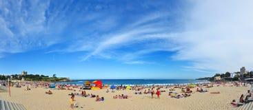 Verano en la playa de Coogee, Sydney, Australia Foto de archivo libre de regalías