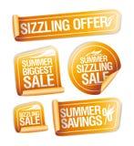 Verano que chisporrotea ofertas, ahorros y etiquetas engomadas de la venta ilustración del vector