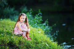 Verano, sol, niño, lago Foto de archivo