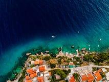 Verbazend blauw water in Kroatië royalty-vrije stock foto