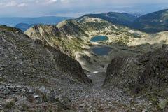 Verbazend landschap aan Musalenski-meren van Musala-Piek, Rila-berg Royalty-vrije Stock Foto's