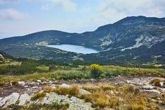Verbazend Landschap van het Lagere meer, de Zeven Rila-Meren Stock Afbeelding
