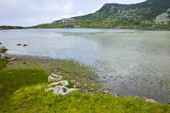 Verbazend Landschap van het Vissenmeer, de Zeven Rila-Meren, Stock Afbeeldingen