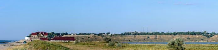 Verbazend panorama van de Zwarte Zee in het dorp van Kurotne royalty-vrije stock fotografie