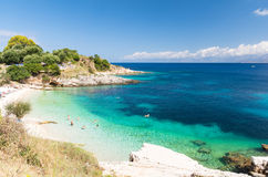 Verbazend strand in Kassiopi op het eiland van Korfu, Griekenland stock afbeelding