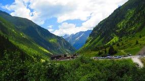 Verbazende Alpiene Vallei Stock Afbeelding