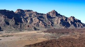 Verbazende bergen dichtbij Teide Stock Afbeeldingen