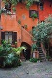 Verbazende binnenplaats in Rome Royalty-vrije Stock Foto's