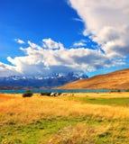 Verbazende dag op het meer Laguna Azul Stock Fotografie