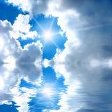 Verbazende hemel met wolken Stock Foto