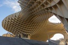 Verbazende houten structuur bij plein Encernacion stock afbeelding