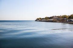 Verbazende landschappen en pijler, zonnige dag, Stock Foto's