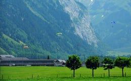 Verbazende landschappen in Zwitserland die plaats voor sportenminnaars aanmoedigen stock afbeelding