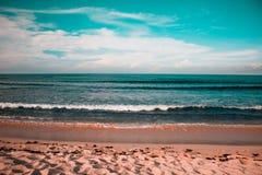 Verbazende mening van de golven in Cali royalty-vrije stock afbeelding