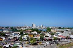 Verbazende mening van het kasteel 'San Felipe ', en de oude defensiebouw in de oude stad van Cartagena stock afbeelding