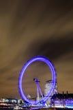 Verbazende mening van het Oog van Londen bij nacht royalty-vrije stock afbeeldingen