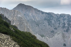 Verbazende mening van Klippen van Sinanitsa-piek, Pirin-Berg Royalty-vrije Stock Fotografie