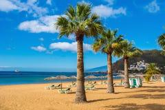 Verbazende mening van strand las Teresitas, Tenerife, Canarische Eilanden Stock Foto