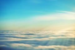 Verbazende mening van vliegtuig op de hemel Stock Fotografie