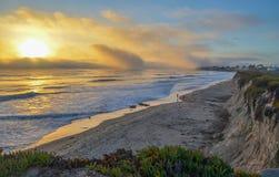 Verbazende mening van Vreedzame kust dichtbij Santa Barbara, Californië royalty-vrije stock afbeeldingen