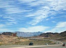 Verbazende mooie hemel en weg in de V.S. stock fotografie