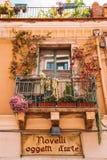 Verbazende mooie oude Italiaanse stad met kleine straten royalty-vrije stock afbeeldingen