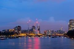 Verbazende nachtcityscape van stad van Londen, Engeland, het Verenigd Koninkrijk stock afbeelding
