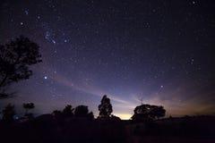 Verbazende nachtmening met sterren Royalty-vrije Stock Fotografie