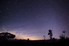 Verbazende nachtmening met sterren Stock Afbeeldingen