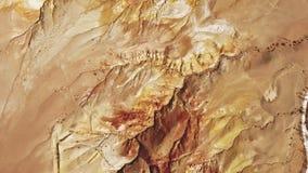 Verbazende plaatsen van aard Kyzyl-kin, Berg Altai: kwik in rots stock video